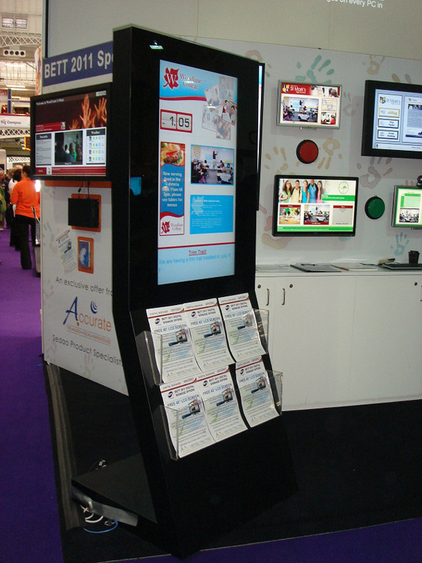 40 Quot Freestanding Digital Poster Display With Integrated