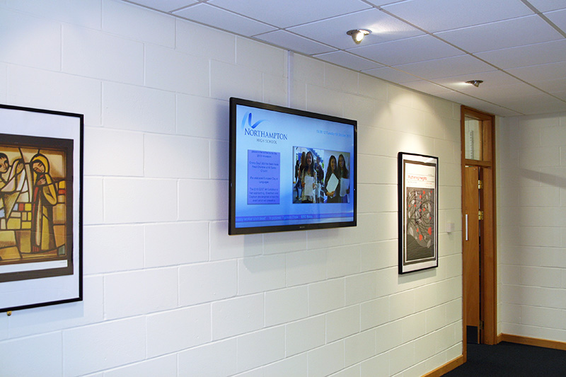 Eclipse Digital Media - Digital Signage Solutions - Northampton High School - Hallway