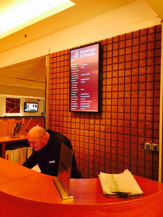 Eclipse Digital Media - Digital Signage Solutions - Sheraton Skyline Hotel London Heathrow - Concierge Desk