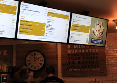 eclipse digital media digital signage solutions restaurant prime burger euston station closeup