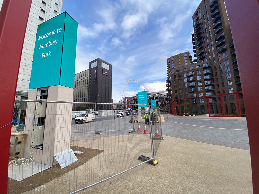 eclipse digital media - digital signage and av solutions - wembley park - quintain - white horse square LED totems