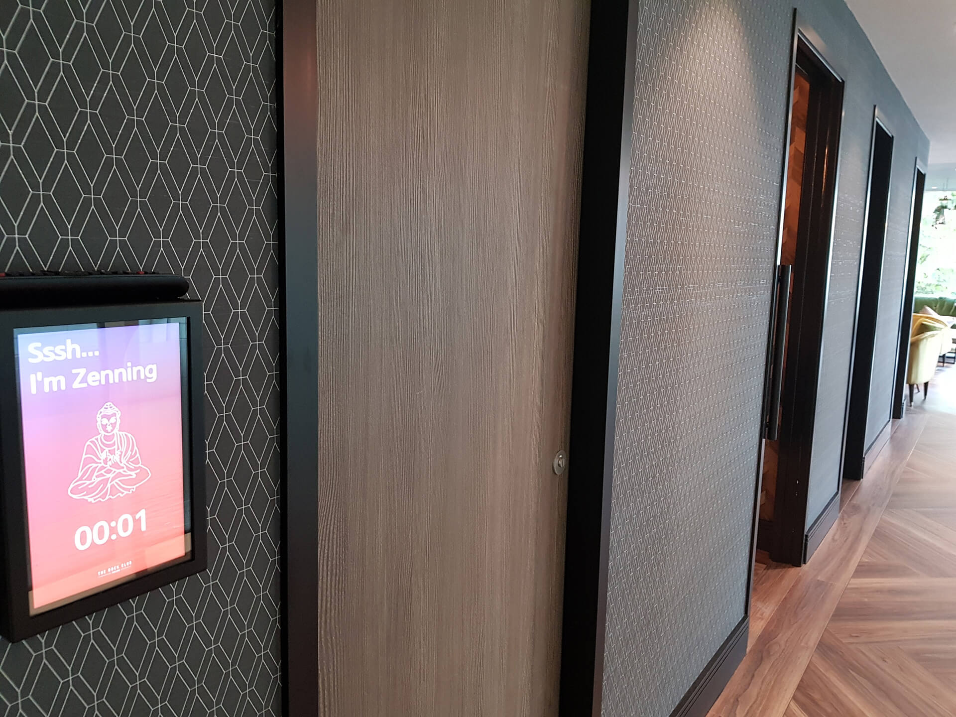 Eclipse Digital Media - Digital signage and AV Solutions - Clarendon Business Centres - Zen Room