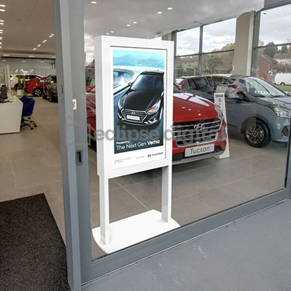 Eclipse Digital Media - Digital Signage Shop - Freestanding ultra high bright poster application